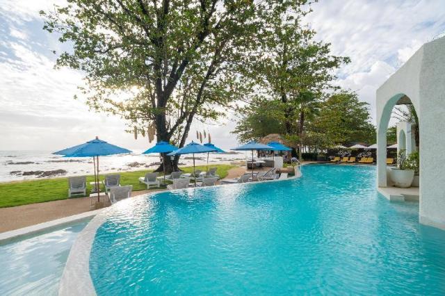 โอเชี่ยน บรีซ รีสอร์ท – Ocean Breeze Resort