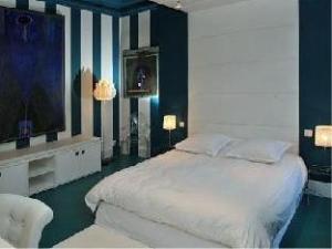 Maison AZ Hotel