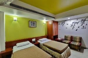 Hotel Pleasure Inn