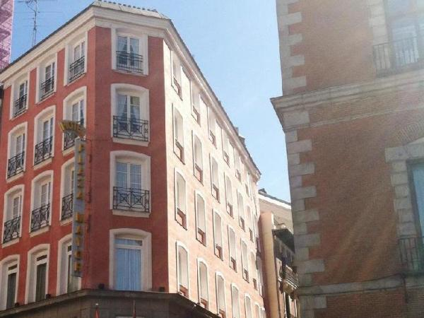 Hotel plaza mayor city center madrid spain great for Hotel mayor madrid