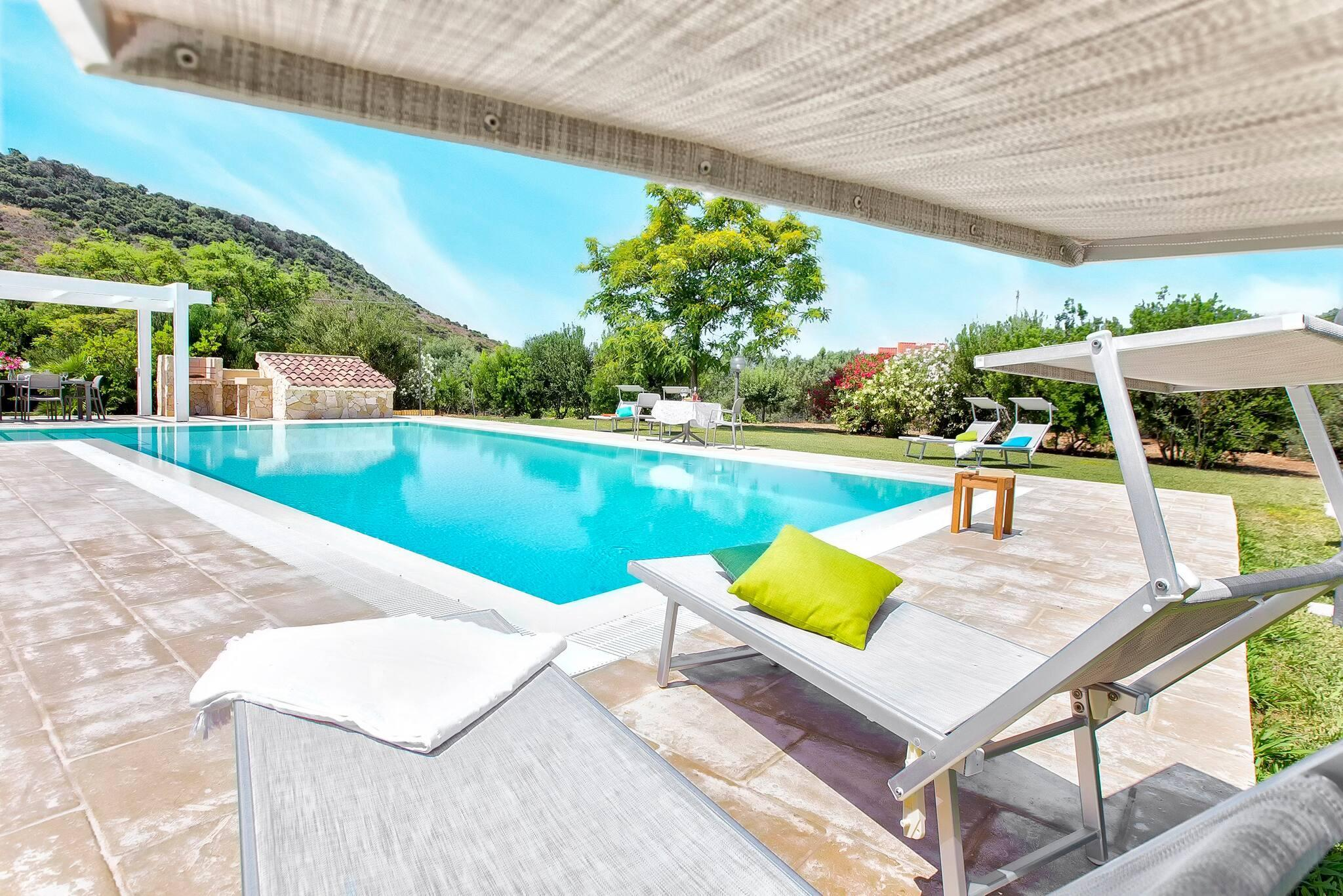 Alghero, Villa Laura with swimming pool for 12 people - Luxury and privacy