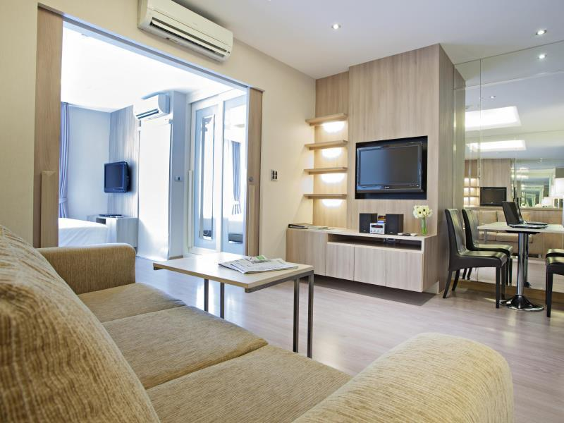 V Residence Hotel and Serviced Apartment วี เรสซิเดนซ์ โฮเต็ล แอนด์ เซอร์วิซ อพาร์ตเมนต์