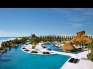 關於坎昆海濱馬諾美海灘全包酒店- 僅接受成人 (Secrets Maroma Beach Riviera Cancun - Adults only All Inclusive)