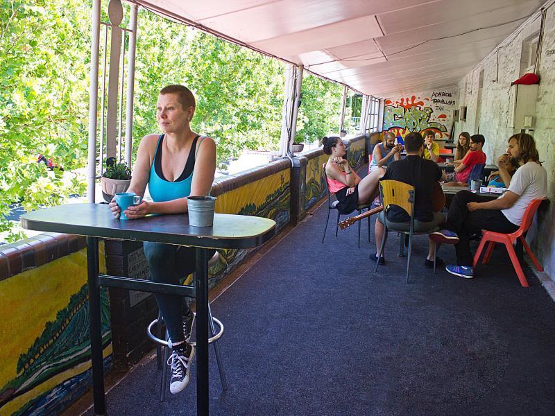 Adelaide Travellers Inn Backpackers
