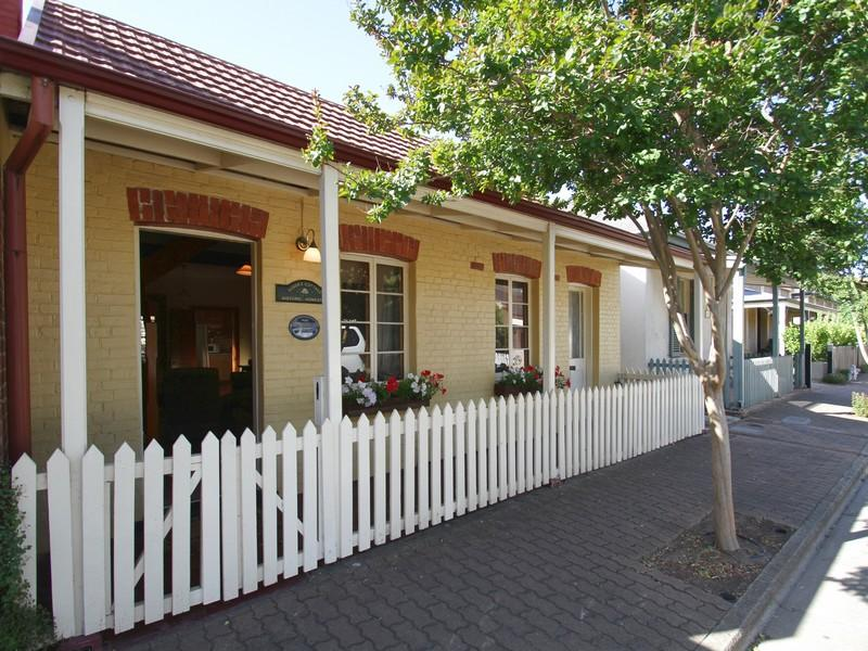 Adelaide Heritage Cottages And Apartments
