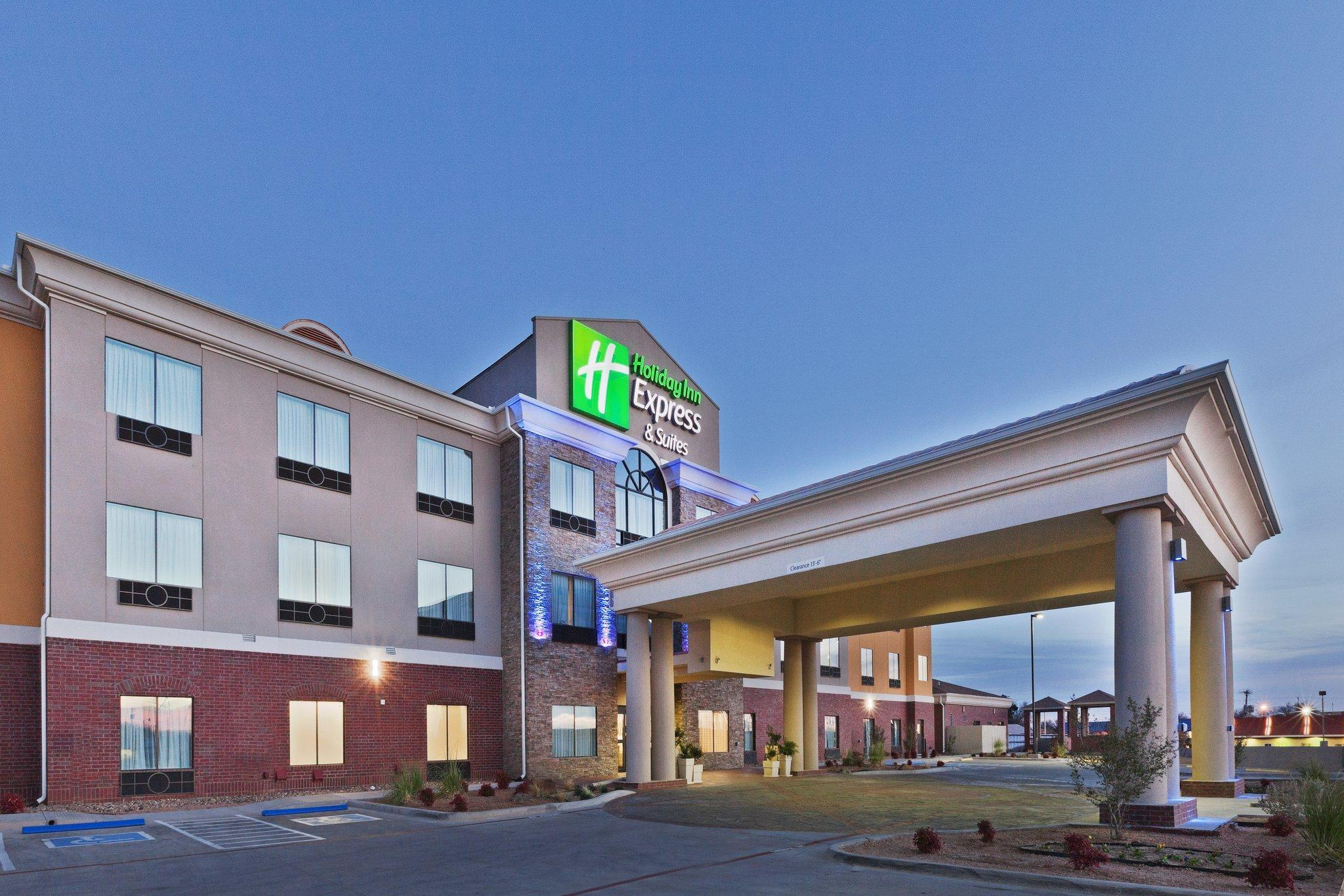Holiday Inn Express Hotel And Suites Brownfield