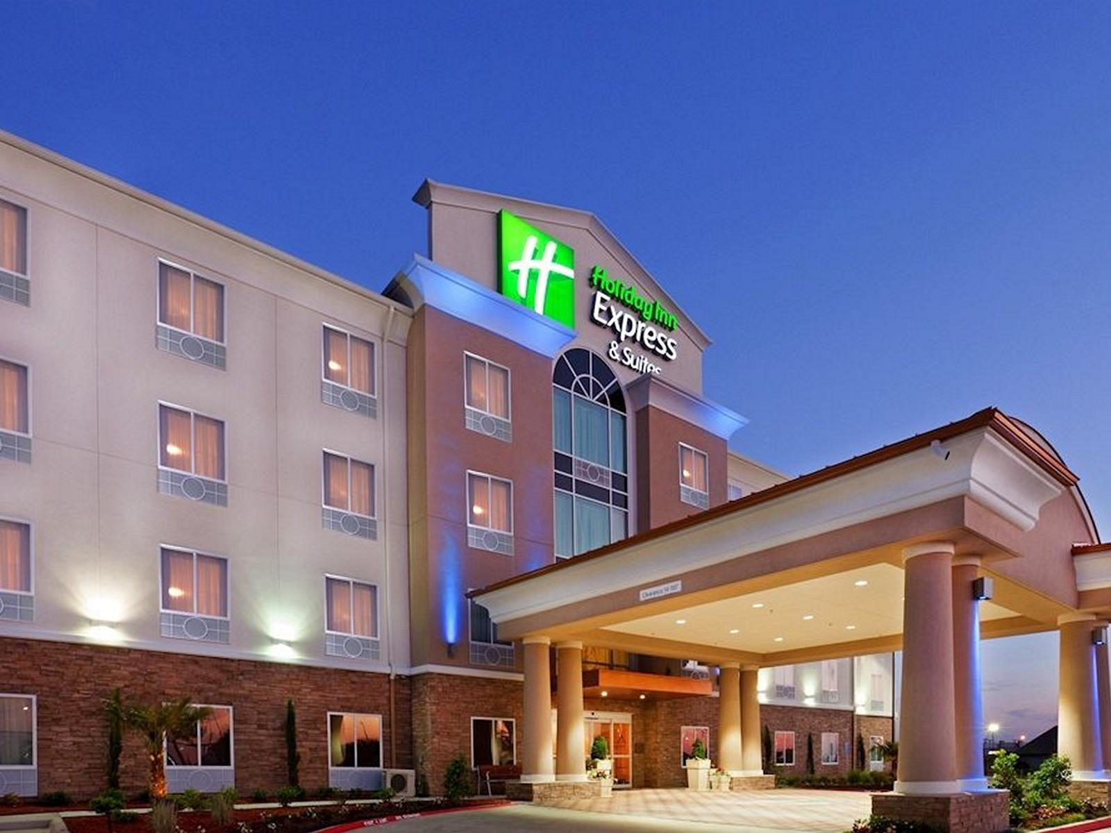 Holiday Inn Express Hotel And Suites Dallas West