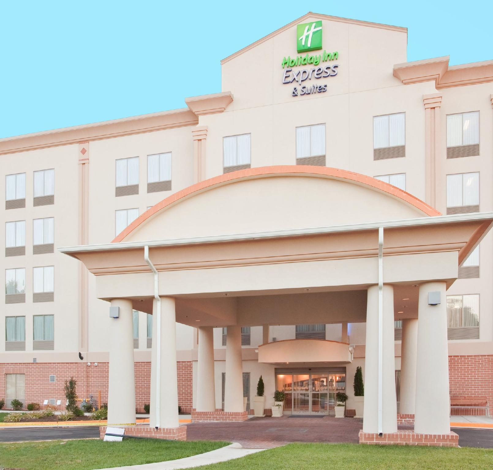 Holiday Inn Express Hotel And Suites Fredericksburg