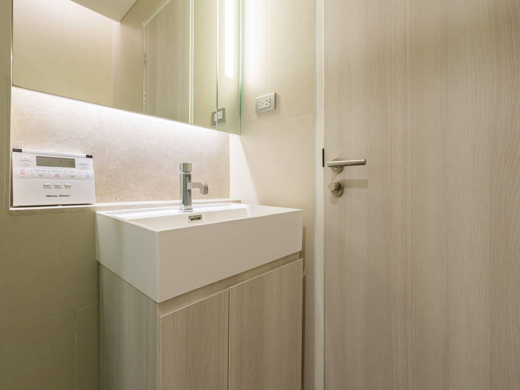 The Sukhumvit24 Executive 2 Bed 2 Bath Free WiFi