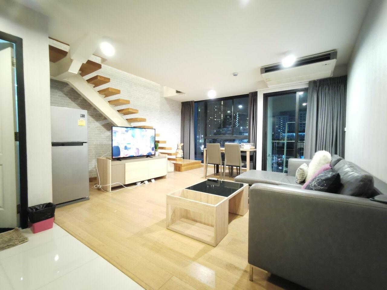 Luxury Duplex Sukhumvit69 Jacuzzi Closed BTS 3Mins