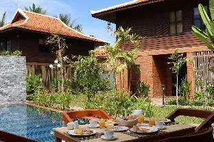 Wooden Residence & Villa