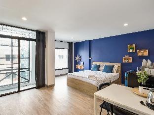 HCUBE BKK 4B Navy blue (1 double bed , queen size) HCUBE BKK 4B Navy blue (1 double bed , queen size)
