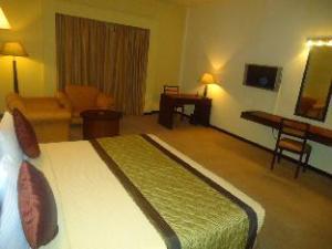 Ramada Katunayake Hotel - Colombo International Airport