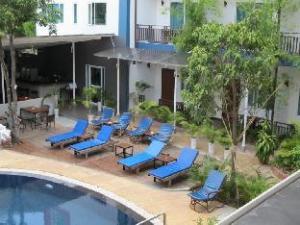 The Billabong Hotel & Hostel