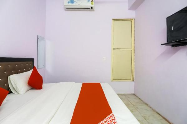 OYO 72997 D C Palace New Delhi and NCR
