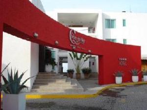 西佳萨斯德尔玛尔酒店 (Best Western Brisas Del Mar Hotel)