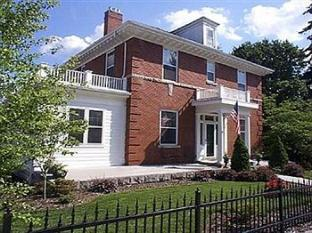 The Collins House Inn Bed & Breakfast