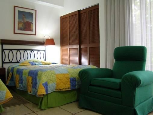 Novo Hotel And Suite
