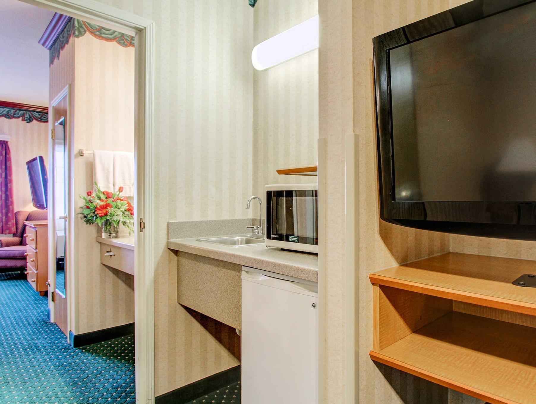 Clarion Suites Downtown