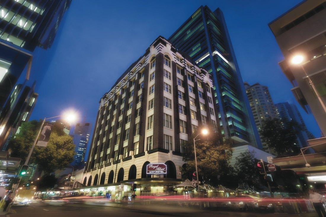 Royal Albert Apartments Hotel