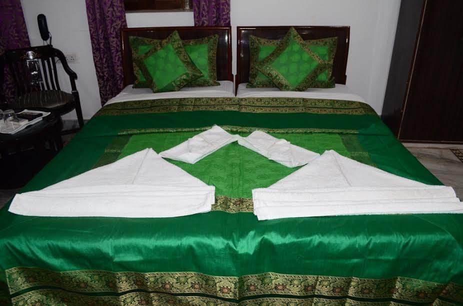 Discount Hotel Shivratri Guesthouse