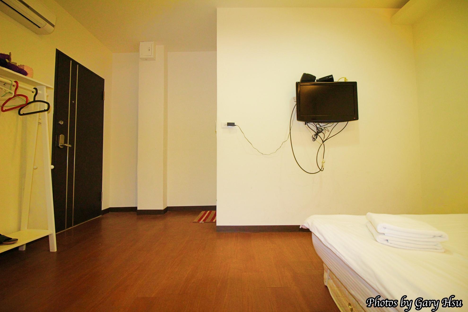 Standard Double Room1   1 Min To Night Market