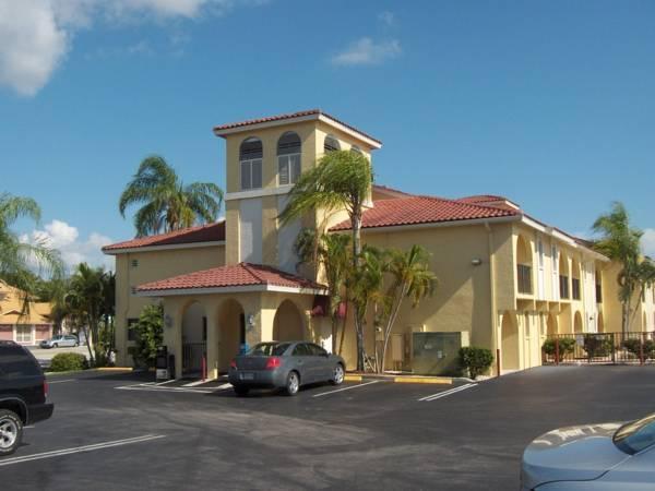 Casa Loma Motel Waterfront