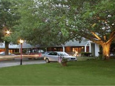 Chatham Seafarer Inn