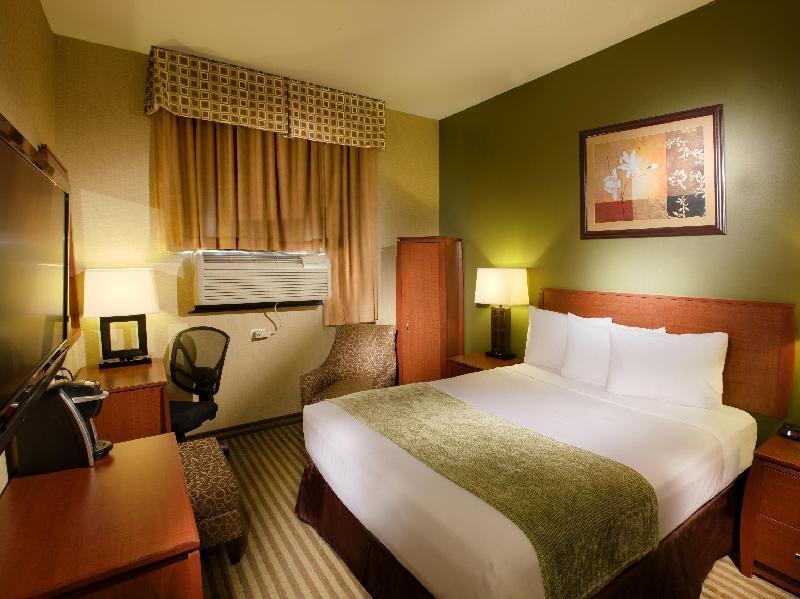 Hotel Q New York NY, 11373