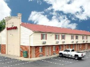 Econo Lodge Allentown Hotel