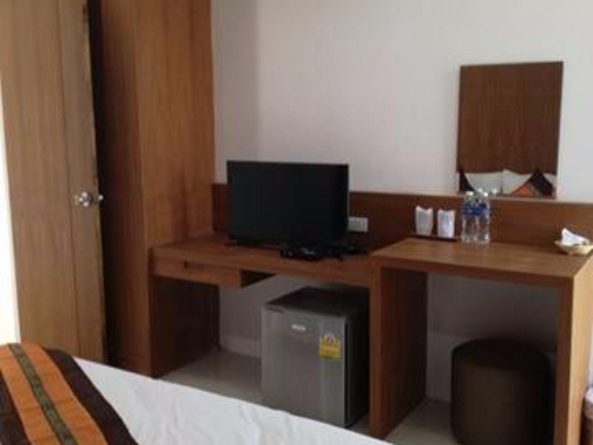 White Ville Apartment