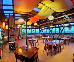 picture 5 of La Jenns Hotel & Resto Grill