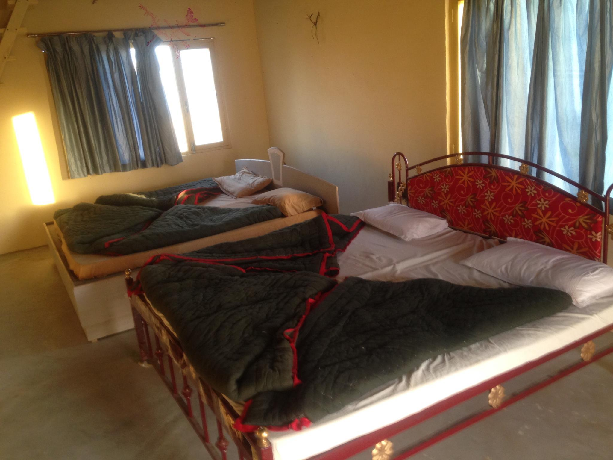 Hotels Review: Camel Safari Dunes Camp – Picture, Rates and Deals