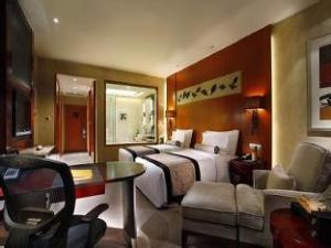 Howard Johnson Garden Plaza Yixing Hotel