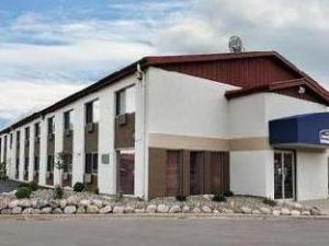 Motel 6 LaCrosse