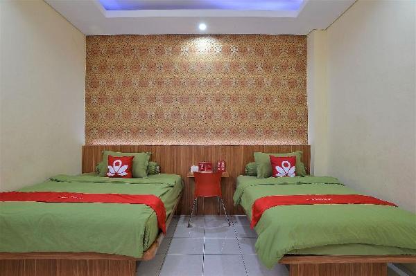 ZEN Rooms Basic Green Apple Jakarta
