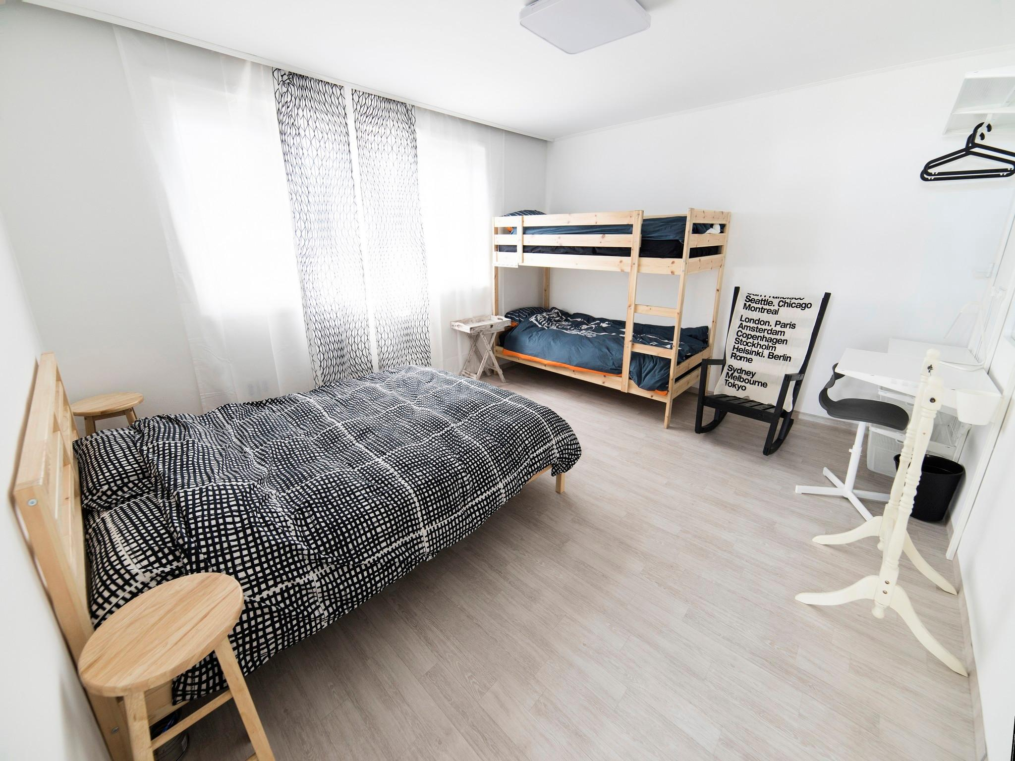 Jamsil Comestay KR   Double Bed+bunk Bed Room
