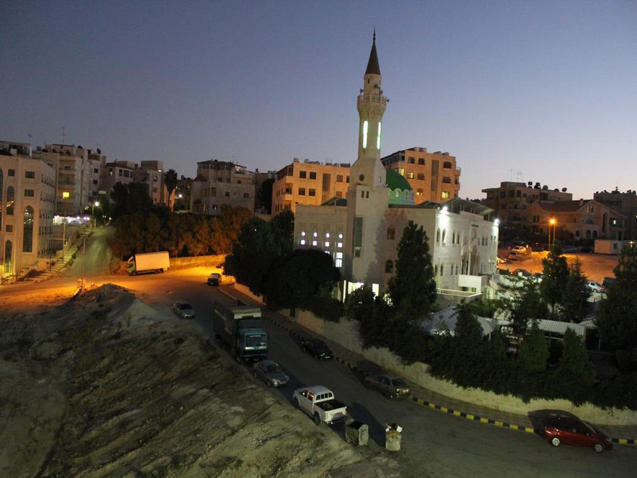 Al Mohandes Apartment 38