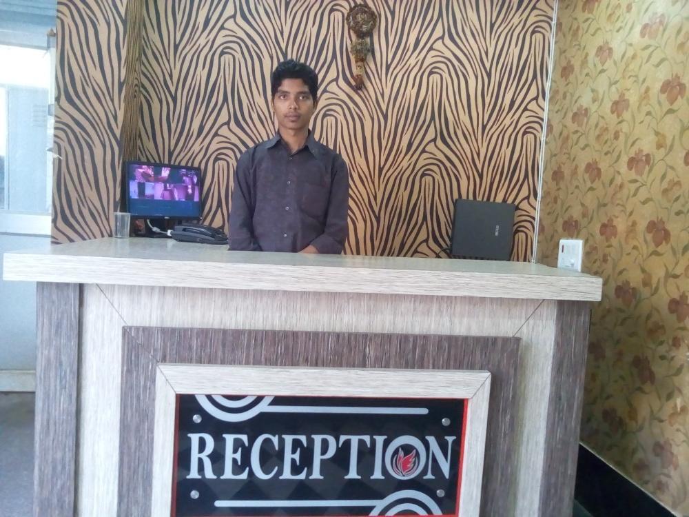 V Resorts Hotel D2 Holiday Inn