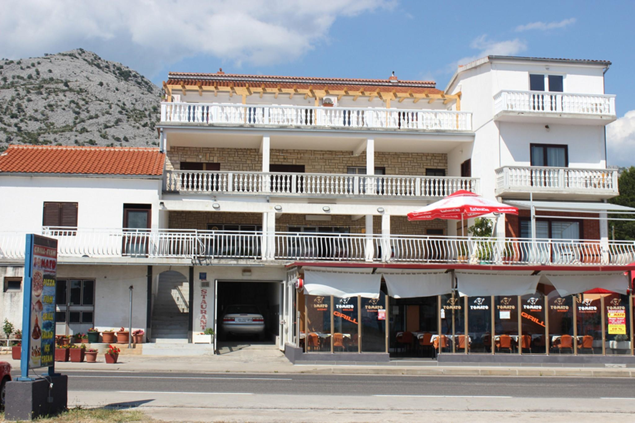 Charming Two Bedroom Apartment In Starigrad