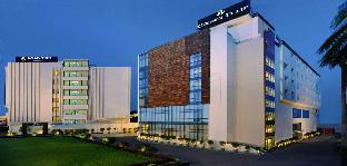 Фото отеля Golden Tulip Lucknow