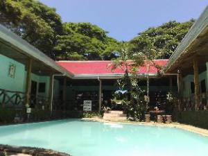 Moana Hotel Inn and Diving Center
