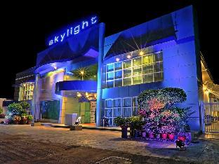 picture 1 of Skylight Hotel