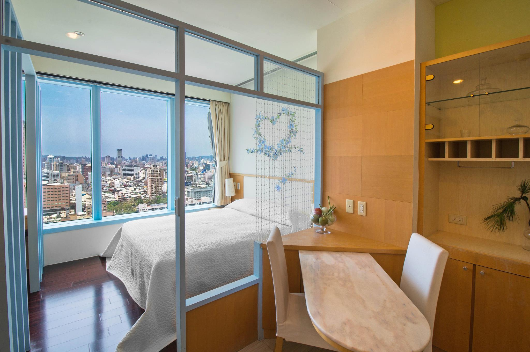 Kaohsiung Near Sandou MRT Station Exit 2   Double With View