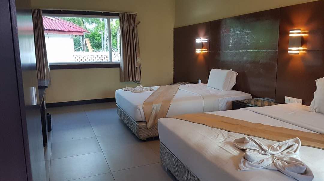 Western Beach Resort @ Mimpian