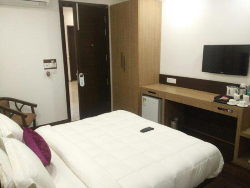 Price INDIYAAH GUEST HOUSE