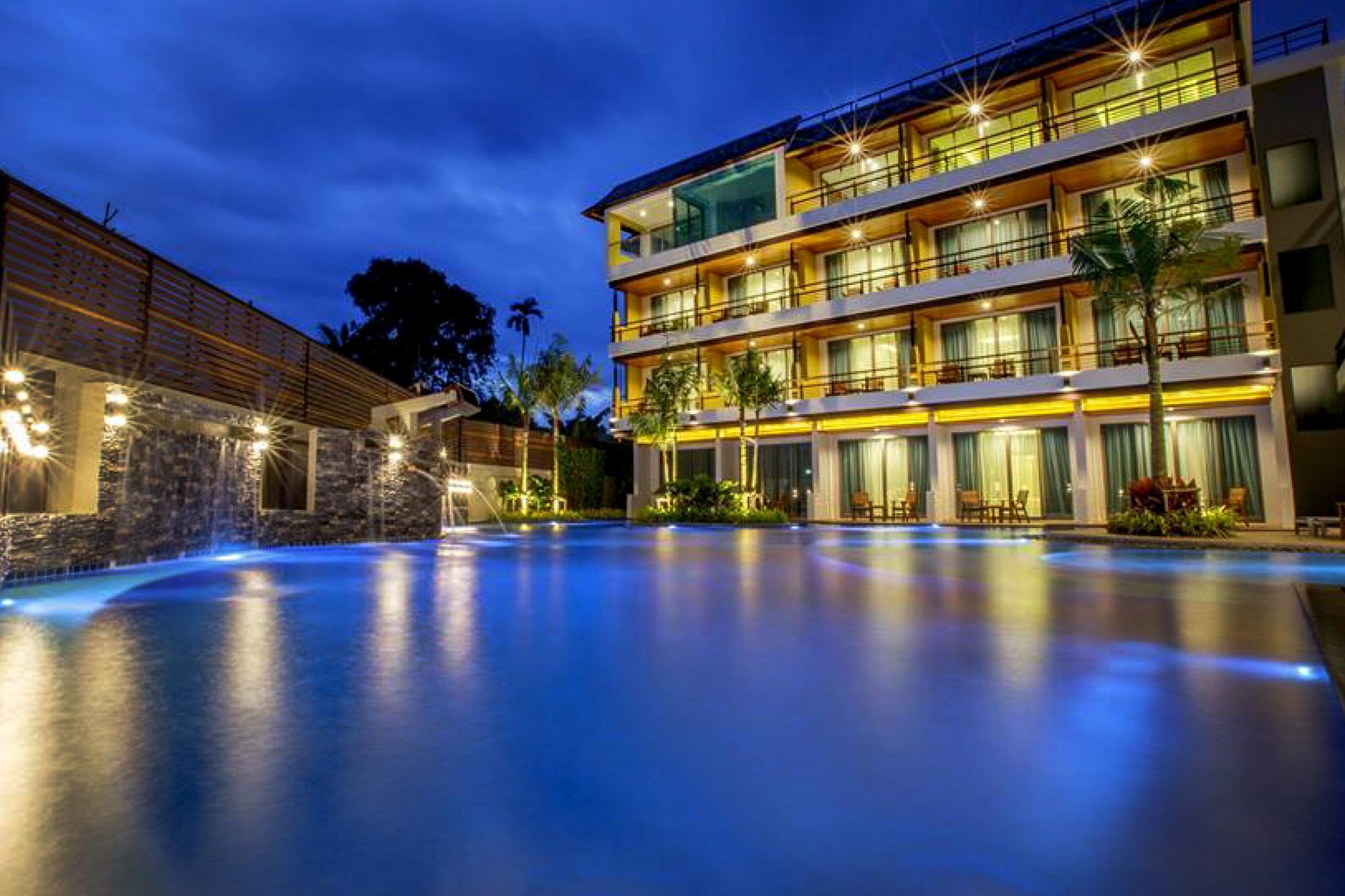 Aqua Resort Phuket