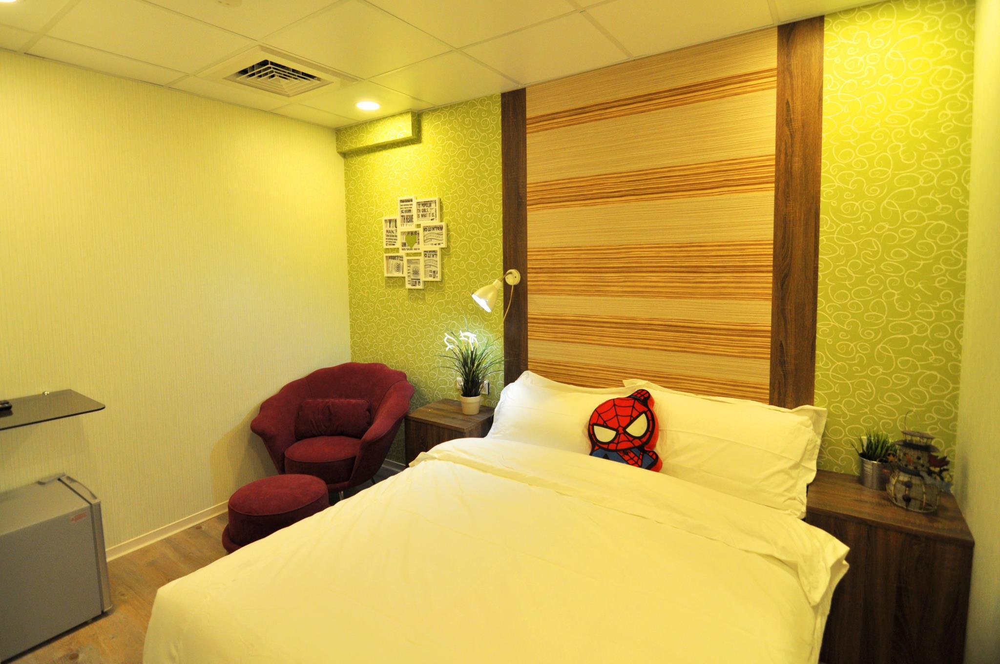 Hua Shan Art Lnn 106Green Oval Double Suite
