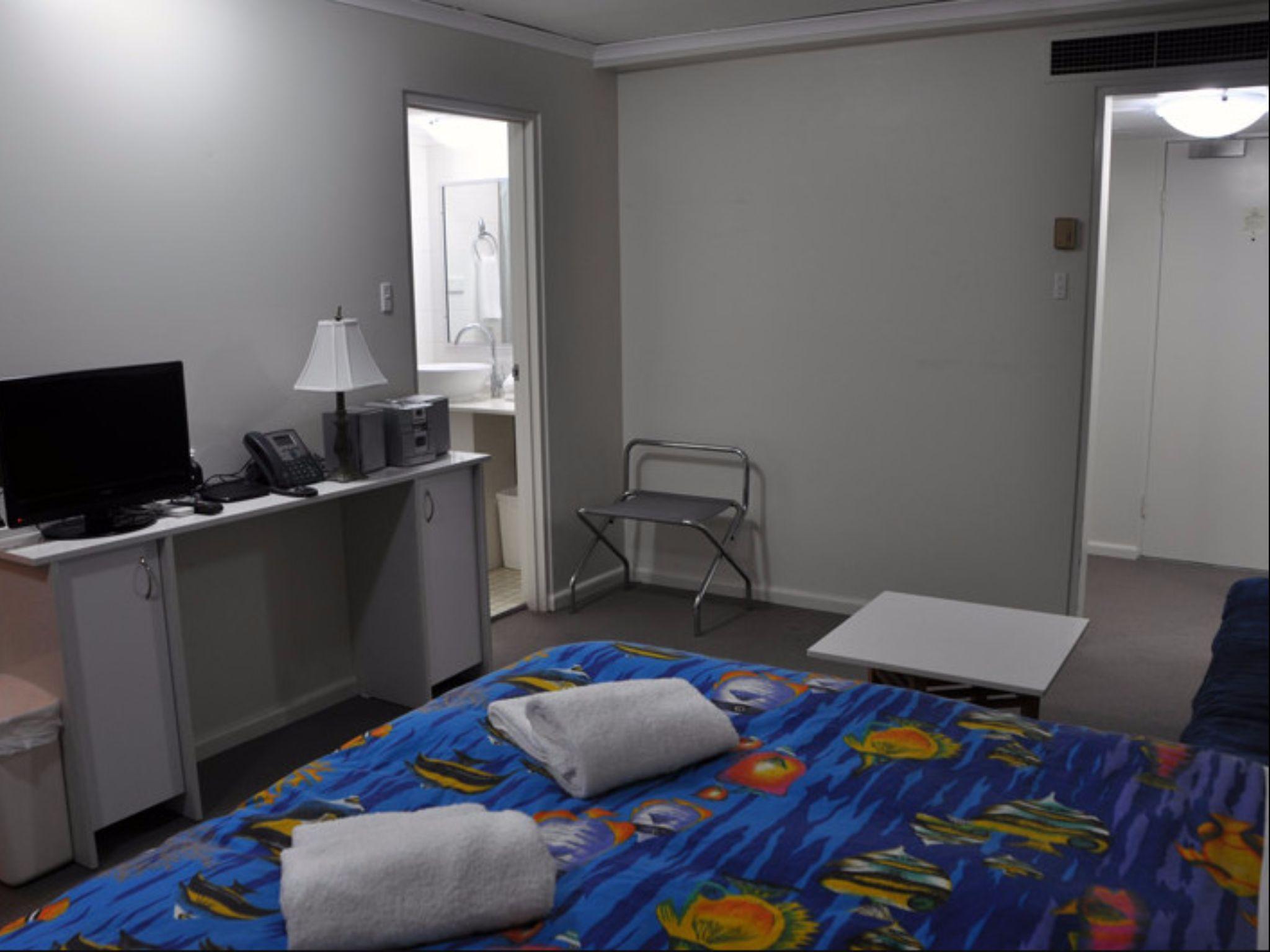 Sydney CBD   Studio Apartment With Balcony