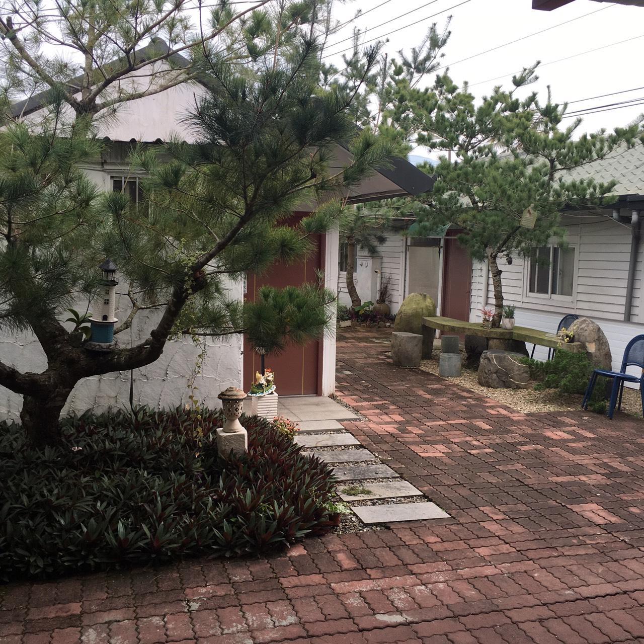 Mingren Guesthouse   One Double Beds Near Yu Ying Elementary School B